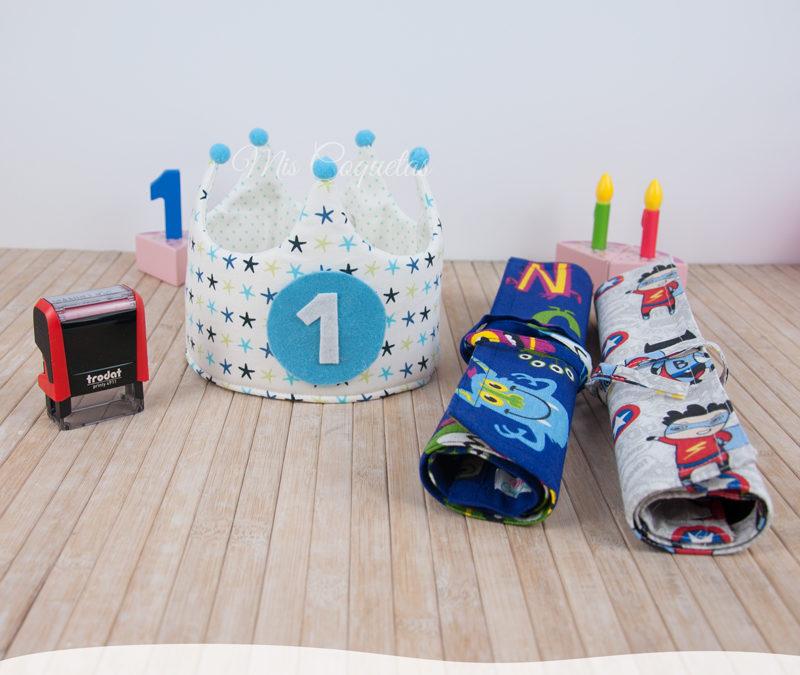 Corona de cumpleaños personalizada con pizarras y sello textil